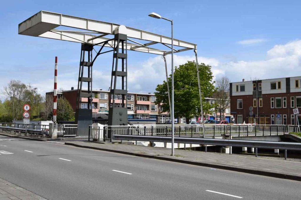 De brug bij de Oosterhamrikkade